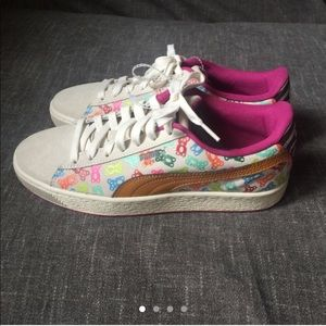 Puma Khaki beige sneakers